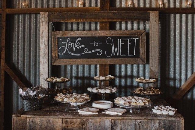 Tmx Rustic Hutch Table 51 918125 157427531340760 Modesto wedding eventproduction
