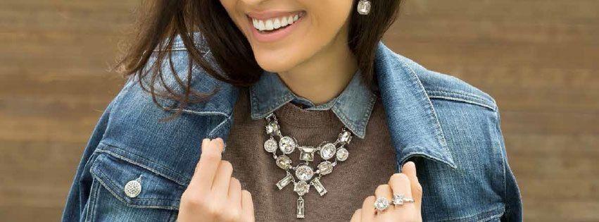fw spotlight bib necklace