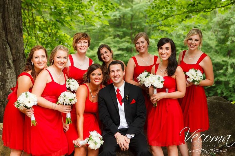 800x800 1416667801612 groom and bridesmaids