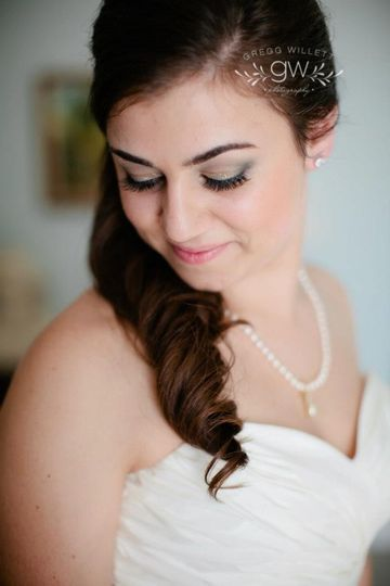 Dark locks | Photography by The Willetts Wedding Photography
