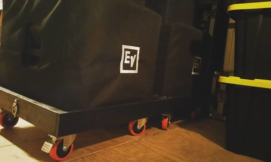 Sub speakers and EV EKX 15P speakers