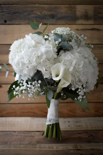 White bouquet | Handmade by The Heirloom Co