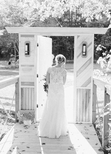 Here comes the brides big entrance
