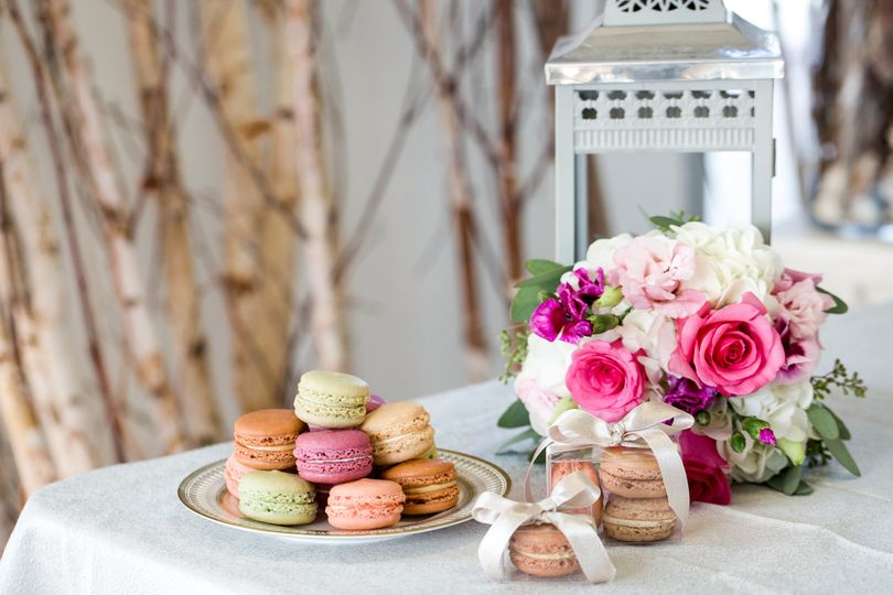 Macarons and Favor Boxes