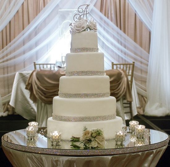 domestic arts custom cakes wedding cake michigan detroit flint