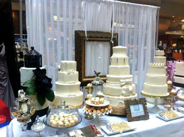 Domestic Arts Custom Cakes display at the Elegant Wedding Show