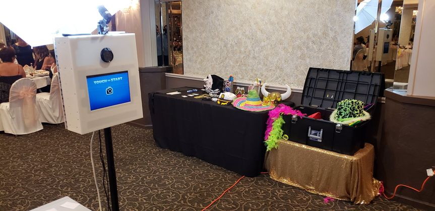 Booth, props and chest