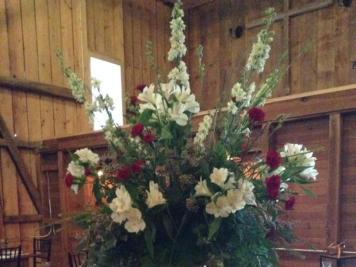 Tmx A779a0b6 E07b 4ed0 A331 A4e5bd8e8f1a 51 1733325 159952125596781 Paxinos, PA wedding florist