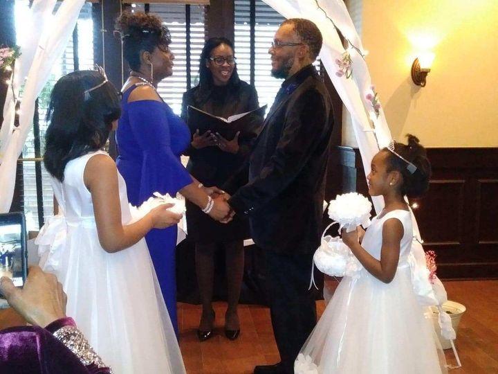 Tmx Img 7036 51 767325 1557796569 Riverdale wedding officiant
