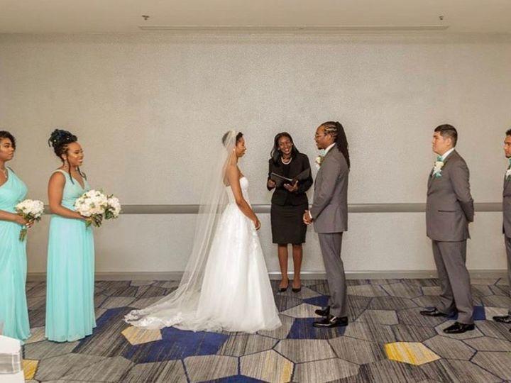 Tmx Img 8560 51 767325 1571340111 Riverdale wedding officiant