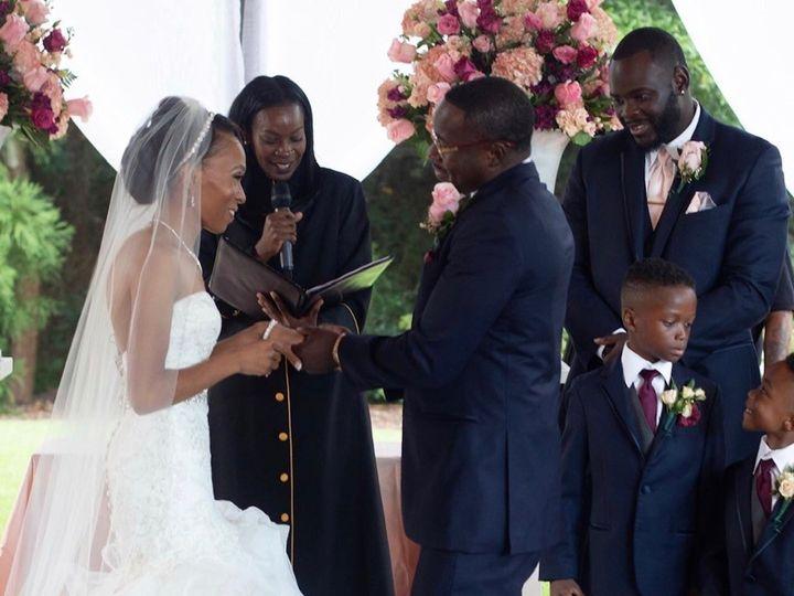 Tmx Img 8561 51 767325 1571340096 Riverdale wedding officiant