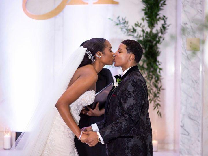 Tmx Img 8574 51 767325 1571340019 Riverdale wedding officiant