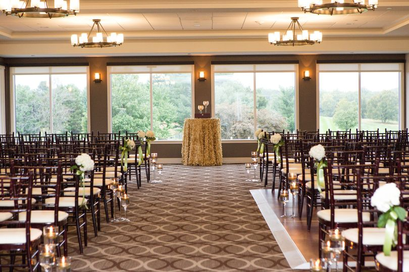 Indoor Ceremony Site Photo by Marirosa Photography