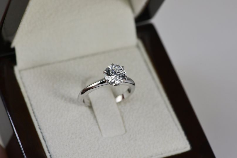 Majestic solitaire ring
