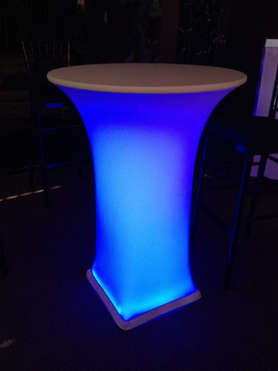 800x800 1417640508429 lighted cocktail table