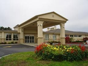 Exterior view of Comfort Inn 9W Glenmont