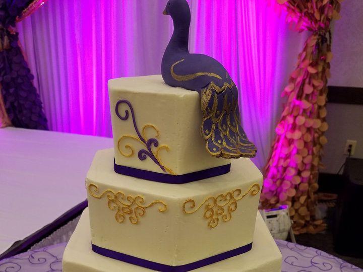Tmx 1531717204 2dddbea81a5e3a88 1470684314214 20160402165129 Raleigh wedding cake