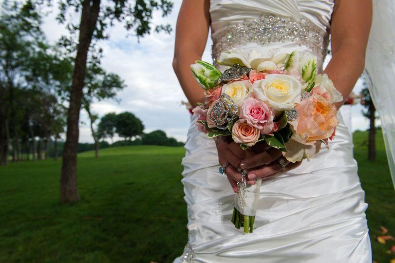 067d7db6844790e7 1466799645724 bd wedding 0439