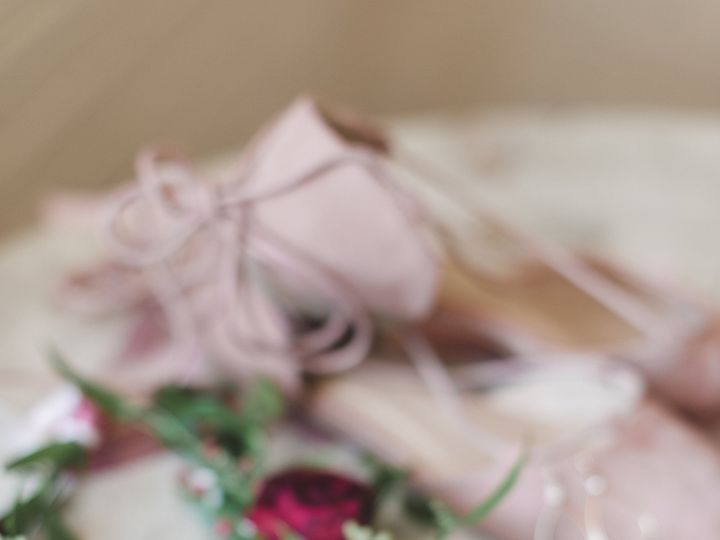 Tmx 1527792555 79c71b01fe597726 1527792552 A37a4810aa90cb98 1527792537549 1 Moore Wedding Blog Bedford wedding florist