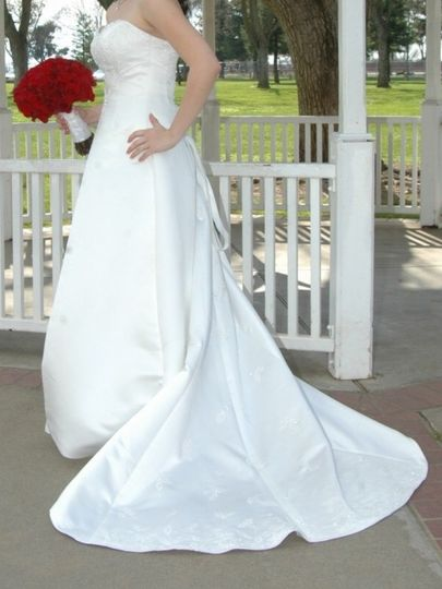 ?Embroidered Maggie Sottero Couture Wedding Dress, Size 12 www.spreesy.com/UyleesBoutique/849