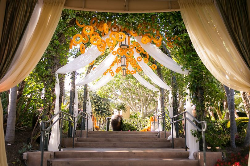 Plaza arbor archway entry