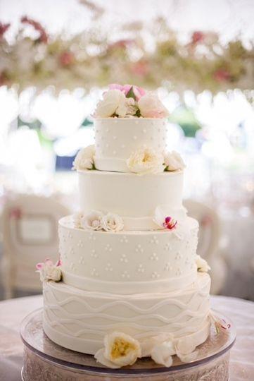 dream cakes wedding cake portland or weddingwire. Black Bedroom Furniture Sets. Home Design Ideas