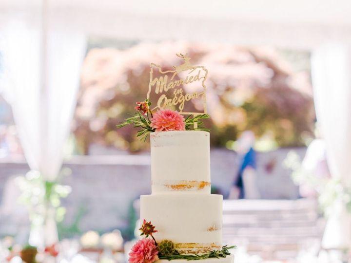 Tmx 1539047484 40a7e8ee5c8f84e1 1539047483 Dfa36ae6a4105c30 1539047482170 1 Deyla  Portland wedding cake