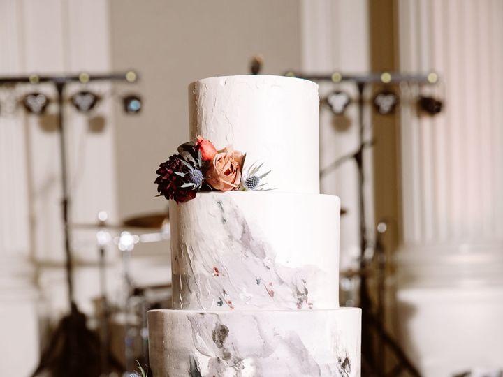Tmx 1539047534 9a90e64b4685c759 1539047532 8ff64b9d291cf2d9 1539047530218 6 Meier Huser Weddin Portland wedding cake