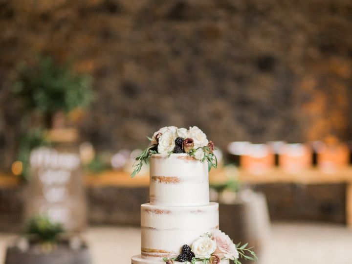 Tmx 1539047772 67a1b9c1686c0852 1539047770 B1e9fc046225d658 1539047767361 17 Megan Brandon  50 Portland wedding cake
