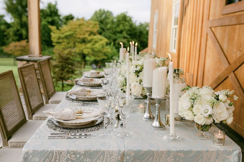Headtable barn wedding