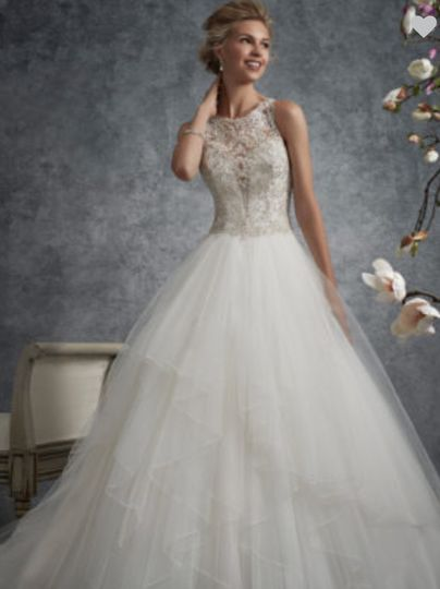 Wedding dress with lace upper
