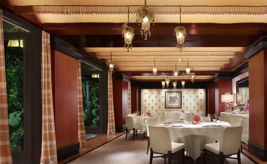 Costa di Mare offers private dining space.
