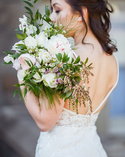 Bride and bouquet - Portraiture By Christopher