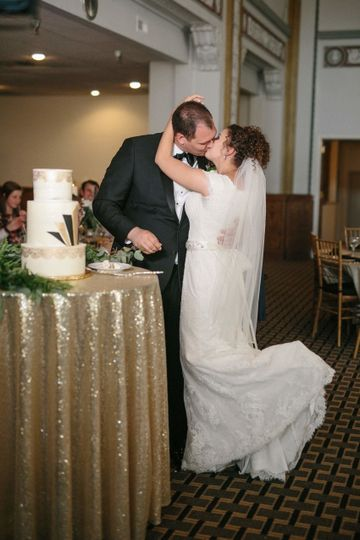Classic Kiss - Great Gatsby Wedding