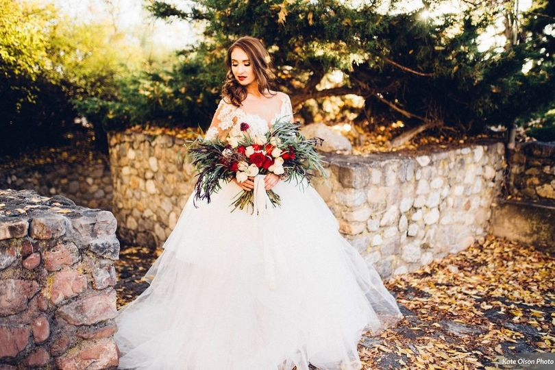 sultry romantic wedding inspiration in the apple orchards of utah kate olson photo 101281of129w 51 608525 157532227587352