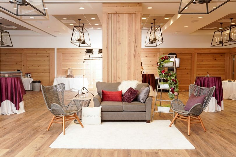 Lounge Decor