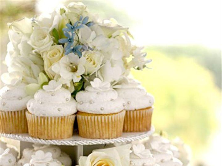 Tmx 1229875808213 WeddingCake1Closeup5x7 Malvern wedding cake