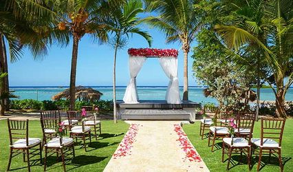 Forever Us Destination Weddings & Honeymoons