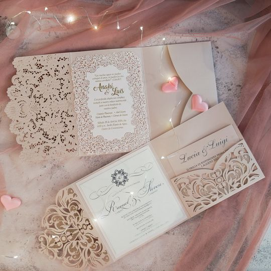 Fully customizable invitations