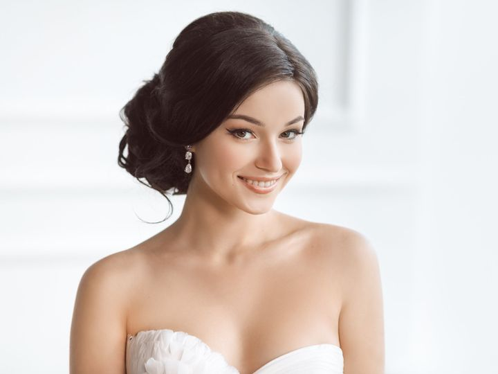Tmx Beauty Portrait Of Bride Wearing Wedding Dress With Feathers With Luxury Delight Make Up And Hairstyle Studio Indoor Photo 51 149525 Orlando, FL wedding beauty