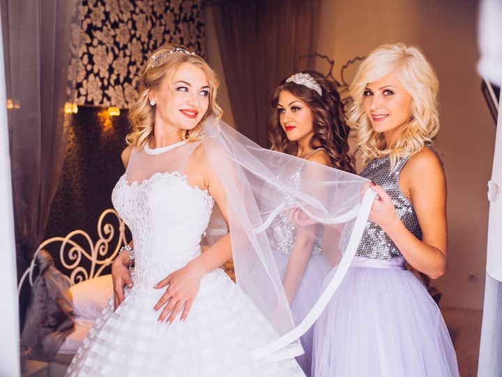Tmx Bride And Bridesmaids During The Wedding Preparations 51 149525 Orlando, FL wedding beauty