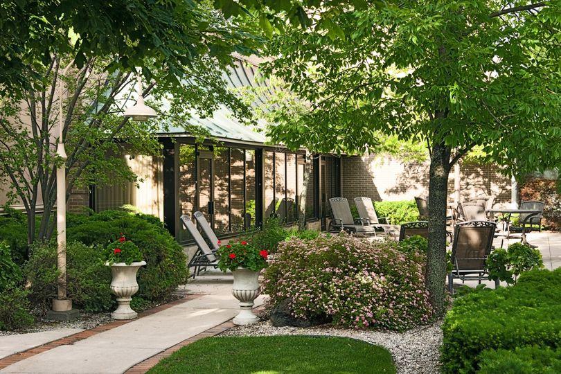 outdoor courtyard horz