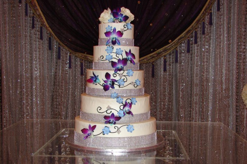 Penningtons Cakes Wedding Cake San Marcos TX WeddingWire
