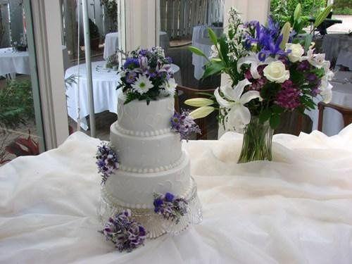 Tmx 1253032417718 DSC01573 San Marcos, TX wedding cake