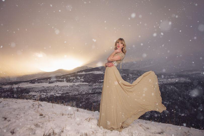 snowymountainflowydress 1001