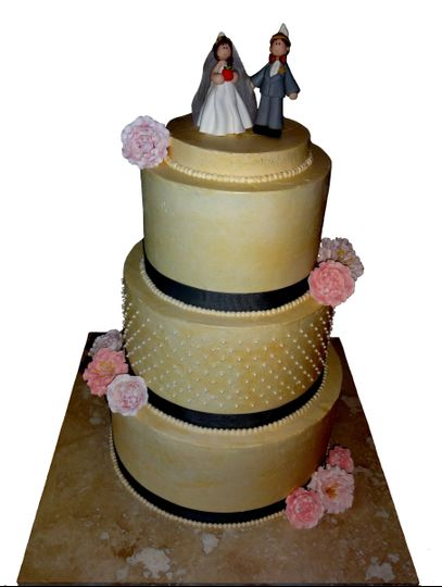 peonygarden roses wedding cake