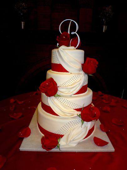 rosedrapingwedding cake2