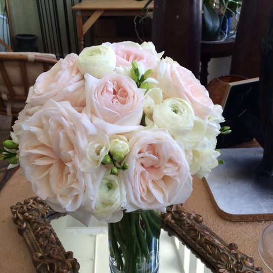 a man and a woman floral design flowers dallas tx weddingwire. Black Bedroom Furniture Sets. Home Design Ideas