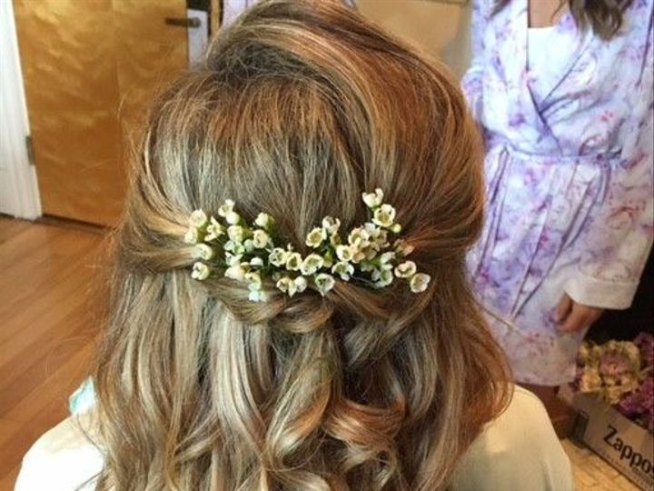 Tmx 1533655301 572f5118d06bb05f 1533655300 0d9c578fbde84be9 1533655298617 24 1200x1200 1483504 Scarborough, Maine wedding beauty