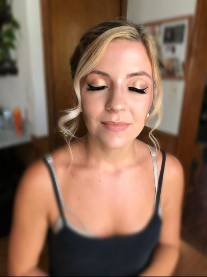 Wing liner for this bridesmaid